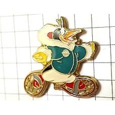 ピンズ・真冬コートのペンギン車オペル