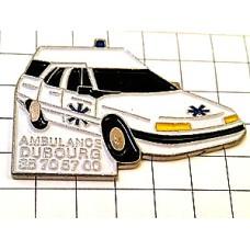 ピンバッジ・青いマーク白い救急車