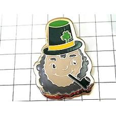 ピンバッジ・パイプ煙草クローバーの帽子アイルランド人