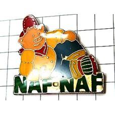 ピンバッジ・赤い帽子ブタ豚ナフナフ