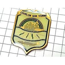 ピンズ・町と魚の紋章