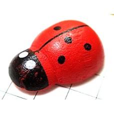 ピンズ・木製のてんとう虫