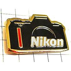 ピンズ・ニコン一眼レフ写真カメラ
