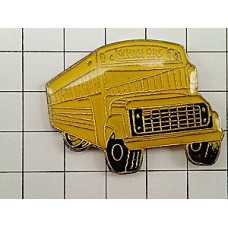 ピンズ・黄色いスクールバス車