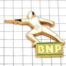 ピンバッジ・フェンシング銀行BNP銀行