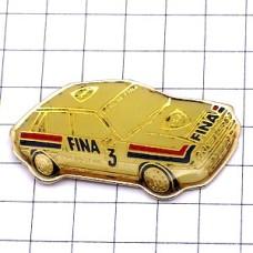 ピンズ・フィナ白い車ラリーレース仕様