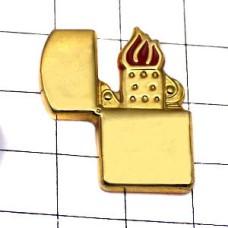 ピンズ・火のついたジッポーライター金色