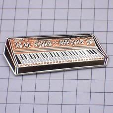 ピンズ・電子ピアノ楽器クルーマー社イタリア