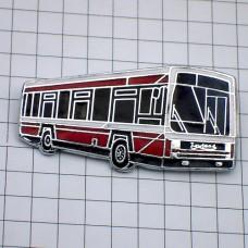 ブローチ・イギリスのバス車