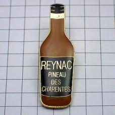 ピンズ・レイナックお酒ボトル型