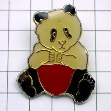 ピンバッジ・赤いパンツのパンダ熊猫