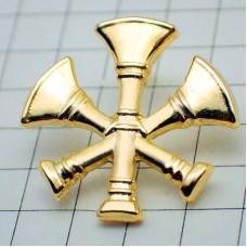 ピンバッジ・金色のラッパ楽器ミリタリー