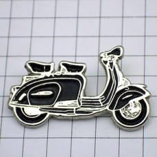 ピンズ・ランブレッタ社スクーター二輪バイク黒