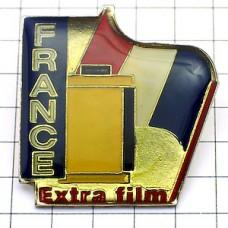 ピンズ・フランス国旗と写真フィルム撮影