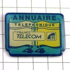 ピンズ・フランステレコム黄色と白の電話帳