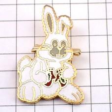 ピンバッジ・ウサギのぬいぐるみクリスマス贈物