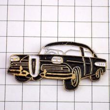 ピンバッジ・アンティーク黒い車