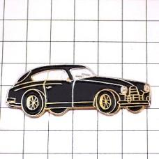 ピンバッジ・アンティークの黒い車