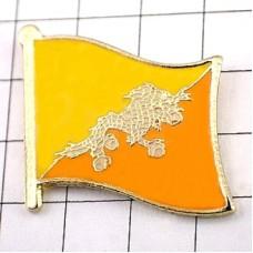 ピンバッジ・New!ブータン国旗ドゥク雷龍デラックス薄型キャッチ付き龍ドラゴン竜