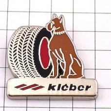 ピンズ・クレベール車タイヤ犬