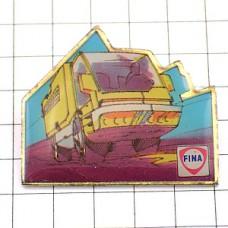 ピンバッジ・黄色いトラック車FINA石油