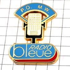 ピンズ・ラジオ局ブルー録音マイク音楽