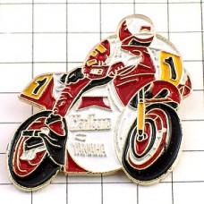 ピンズ・ヤマハのバイク二輪レース1
