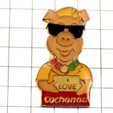ピンバッジ・サングラスのブタ豚LOVE大好き