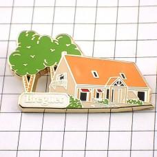 ピンバッジ・家と大きな木
