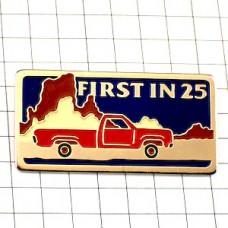 ピンズ・赤いピックアップトラック車アメリカ/USA