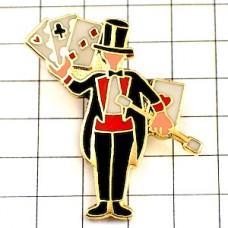 ピンバッジ・マジシャン杖とトランプ手品師