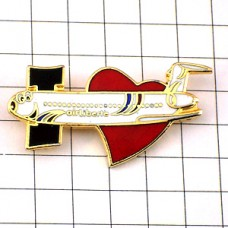 ピンバッジ・エールリベルテ航空大好きハート飛行機