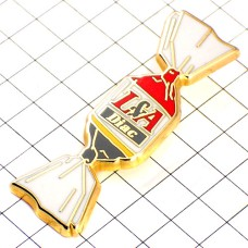 ピンバッジ・ルノー車キャンディお菓子