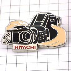 ピンバッジ・日立のビデオカメラ映画撮影