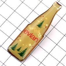 ピンズ・エビアン水クリスマスツリー瓶