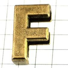 ピンバッジ・New!アルファベット「F」アンティーク真鍮色