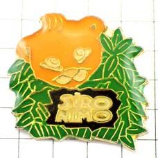 ピンズ・クマ熊と葉っぱ