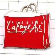 ピンバッジ・ギャラリーラファイエット赤のバッグ紙袋
