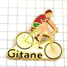 ピンズ・黄色い自転車に乗る