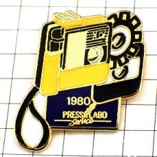 ピンズ・古いカメラ写真の歴史