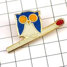 ピンバッジ・フクロウ梟とマッチ棒セイタ煙草会社