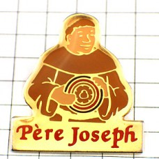 ピンバッジ・チーズとジョセフ神父さん