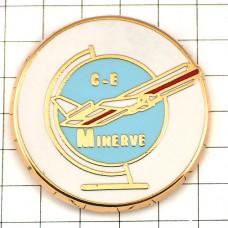 ピンバッジ・飛行機ミネルヴ航空と地球儀