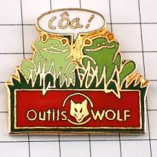 ピンズ・蛙カエル二匹と狼
