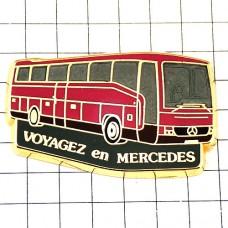 ピンズ・ベンツの観光バス車