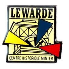 ピンバッジ・建物と三角ルワルド鉱山歴史センター博物館