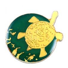 ピンズ・泳ぐウミガメ海亀