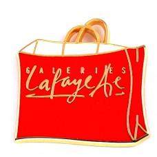 ピンバッジ・ギャラリーラファイエット赤のショッピングバッグ袋