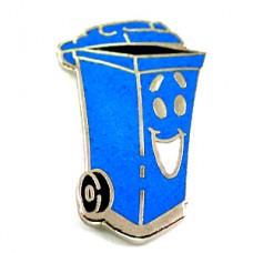 ピンズ・ゴミ箱リサイクル清掃