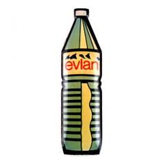 ピンズ・エビアン水ボトル型